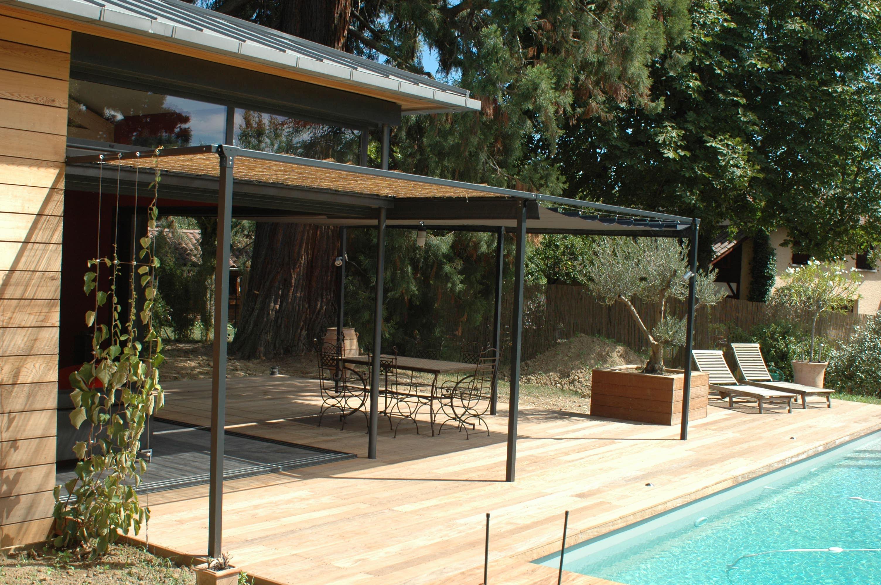 Pergola exonido avec voile d 39 ombrage sunworker gris for Terrasse bois avec pergola