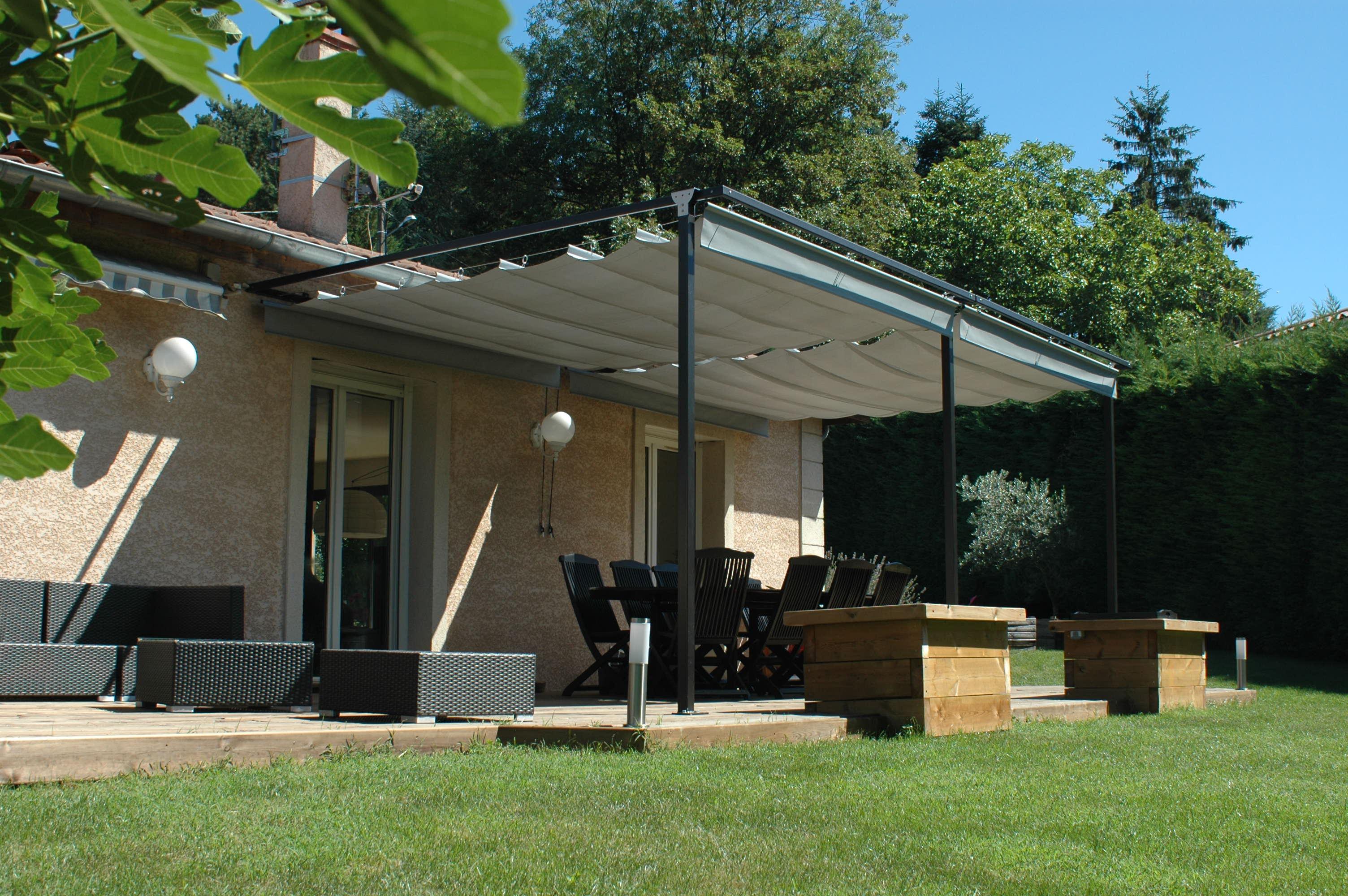 ombrage agr able de la pergola exonido 22m adoss e la fa ade plein sud exonido pergolas. Black Bedroom Furniture Sets. Home Design Ideas
