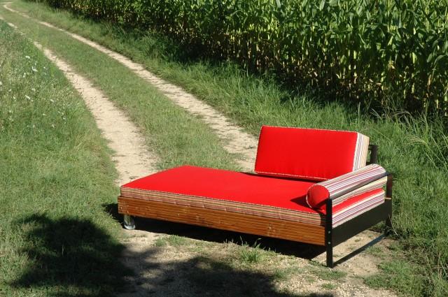 coussin lit exterieur table de lit. Black Bedroom Furniture Sets. Home Design Ideas