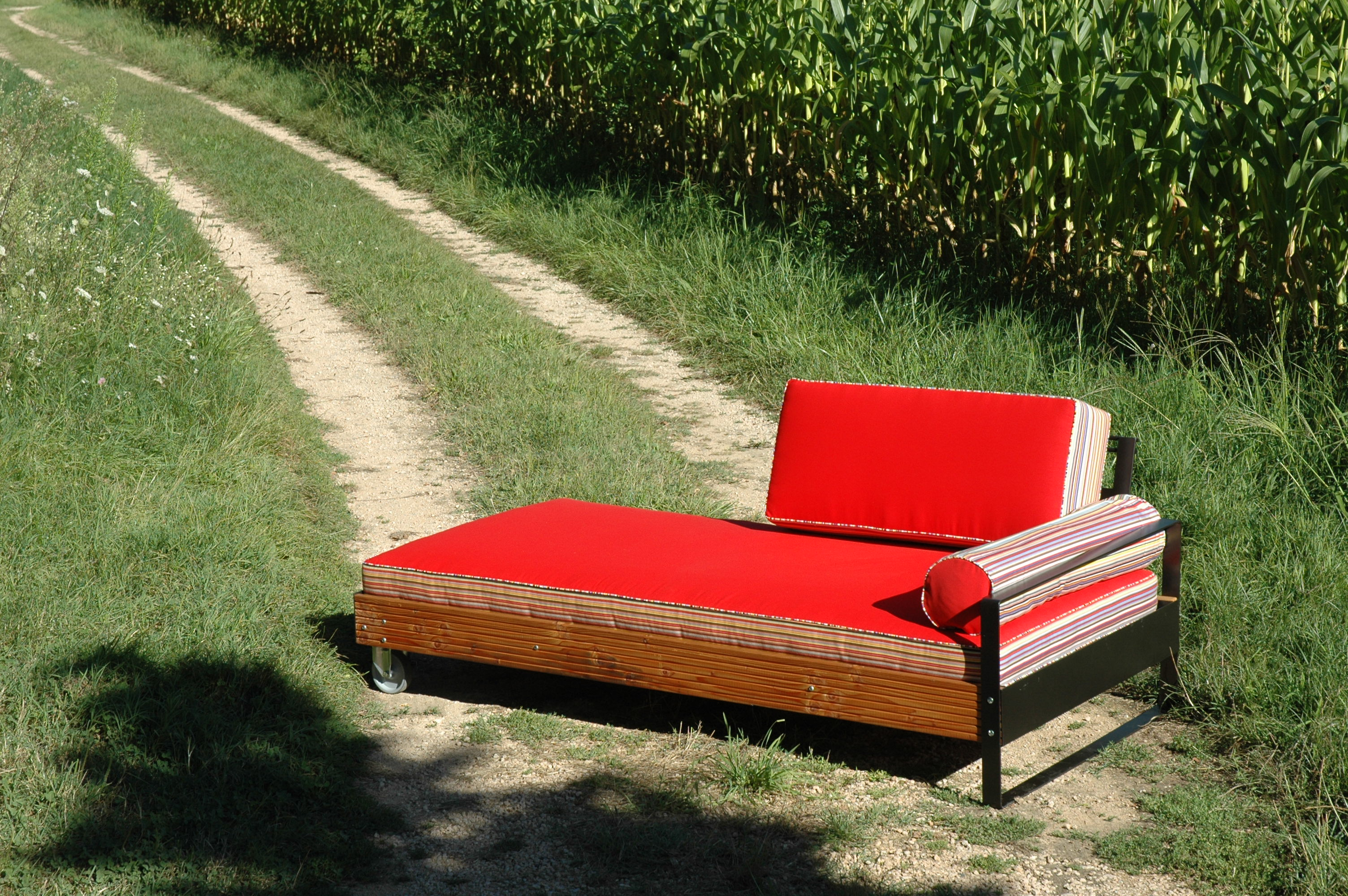 lit de sieste exonido. Black Bedroom Furniture Sets. Home Design Ideas