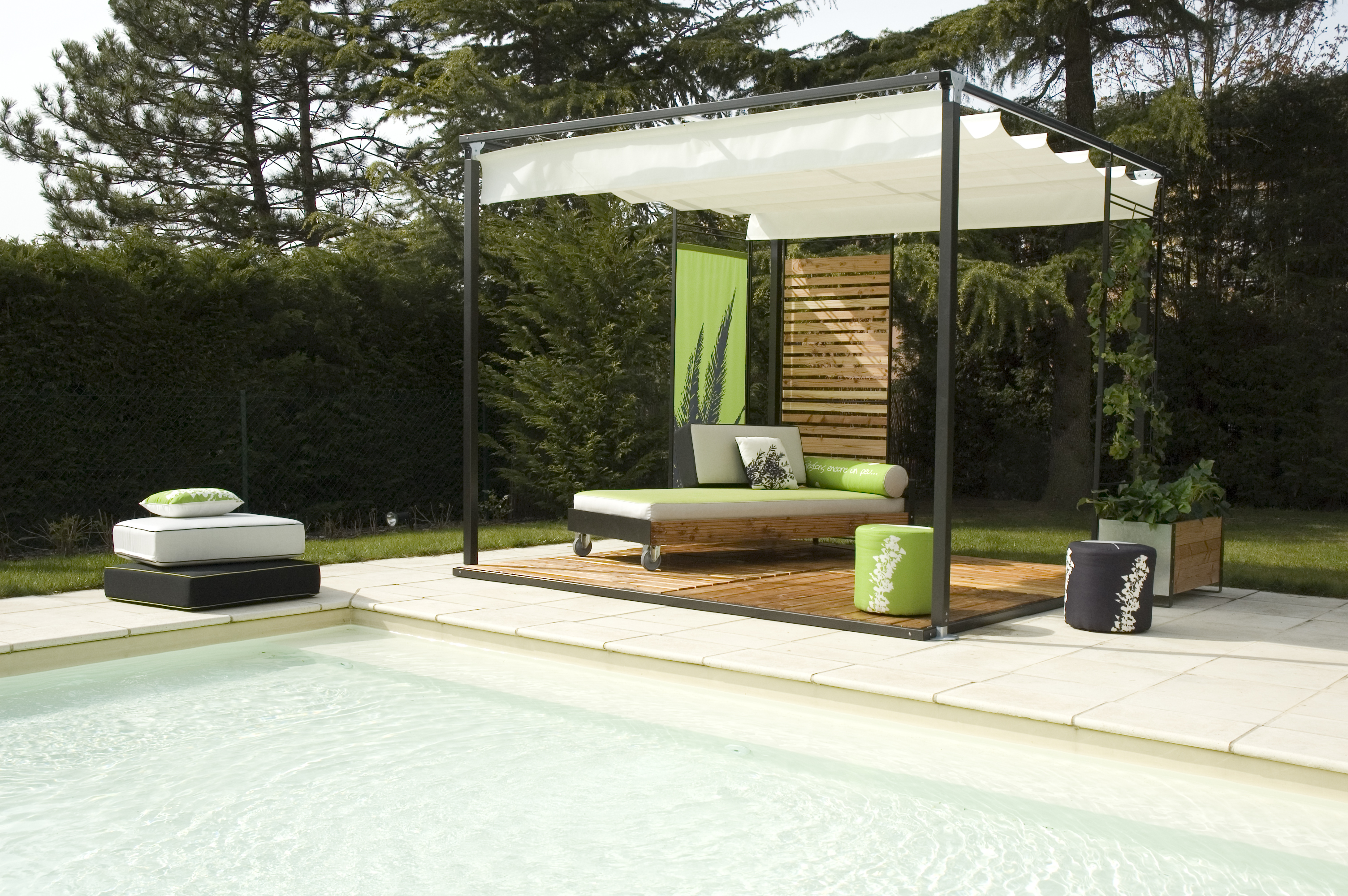 pergola acier sur mesure l 39 originale design sobre modularit totale. Black Bedroom Furniture Sets. Home Design Ideas