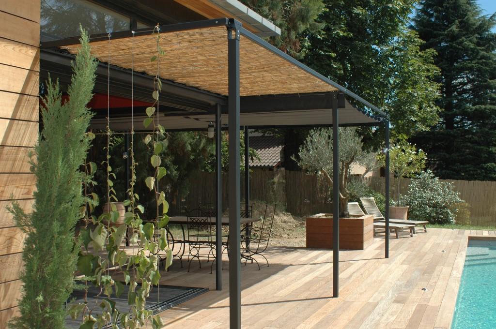 Olivier Magnifi Dans Une Jardini Re Avec Assise