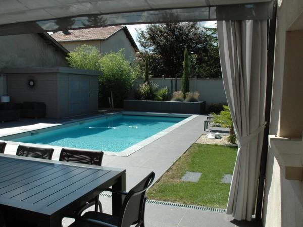 voilage d 39 ext rieur exonido pergolas sur mesure am nagement de terrasseexonido pergolas. Black Bedroom Furniture Sets. Home Design Ideas