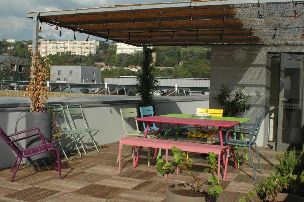 Aménager une terrasse en ville : Pergola sur toit terrasse