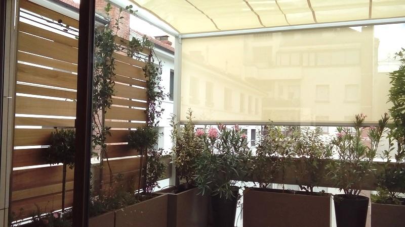 Terrasse équipée de brise vue et brise soleil