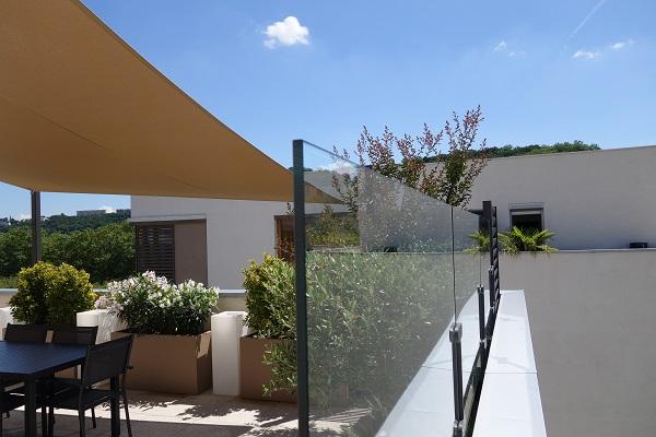 Pare vent terrasse transparent en verre trempé
