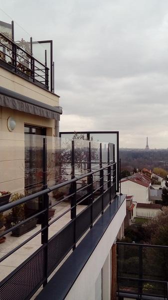 coupe vent terrasse transparent en PMMA