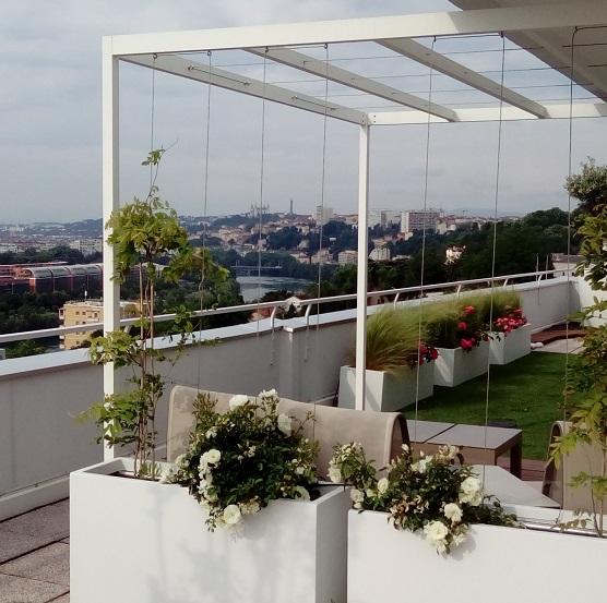 grand pot de fleur pergola v g tale le design ext rieur est l 39 honneur. Black Bedroom Furniture Sets. Home Design Ideas
